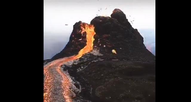 Thousands flee Eastern DRC As Mt Nyiragongo Volcanic Eruptions Reach Airport
